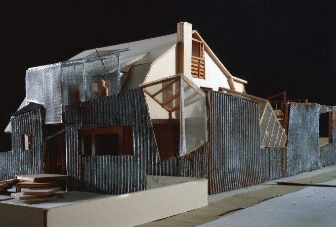 Gehry-Residence-model